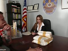 A DEA agent delivers some drugs to his boss then fucks her