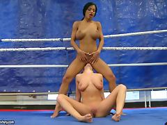 Jessica Moore and Kyra Black beat each other and eat pussies on a ring