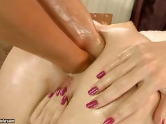 Compilation video with hot chicks getting fisted