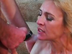All guys want to fuck this mom and lick her cunt
