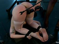 Big booty Missy Minks gets spanked and toyed by Bobbi Starr