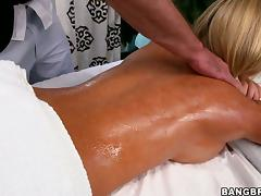 Tasha Reign thanks her masseur with a blowjob and ardent sex