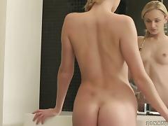 Gorgeous Blonde Ivana Sugar Masturbates in the Bathtub