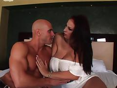 Gianna Michaels receives a hot and nasty cumshot load on her tits